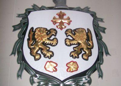 crest carving 026