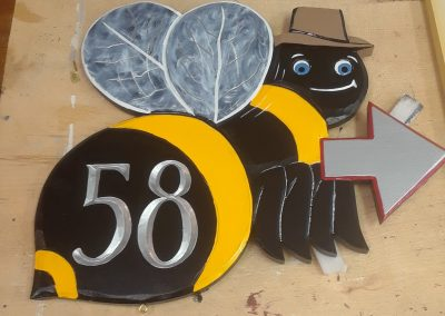 House sign 58 bee